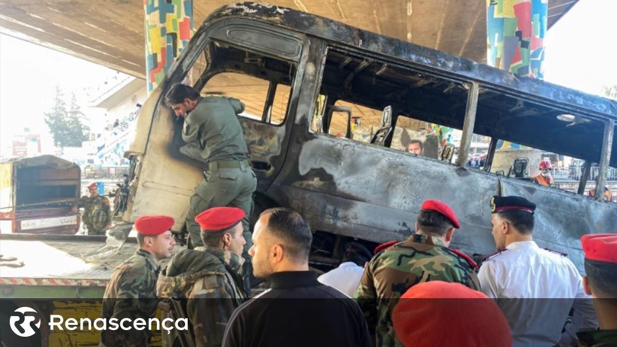 Síria. Pelo menos 27 mortos na sequência de ataque contra autocarro militar em Damasco