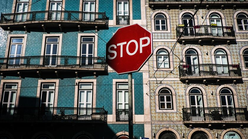 As moratórias abrangeram mais 120 mil famílias que já recomeçaram a pagar o crédito à habitação, num valor de empréstimos de 3,7 mil milhões de euros. Foto: Lusa