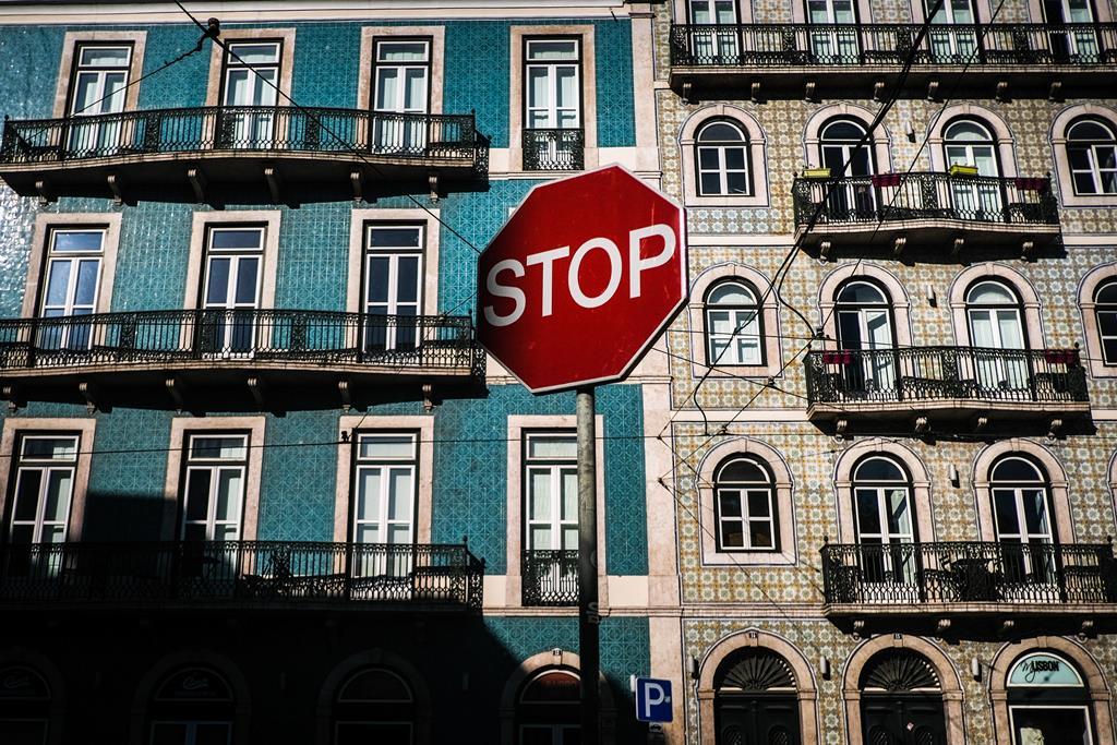 Em abril vão recomeçar a pagar o crédito habitação mais 120 mil famílias (cerca de25% do total de devedores), num valor de empréstimos de 3,7 mil milhões de euros.Foto: Lusa