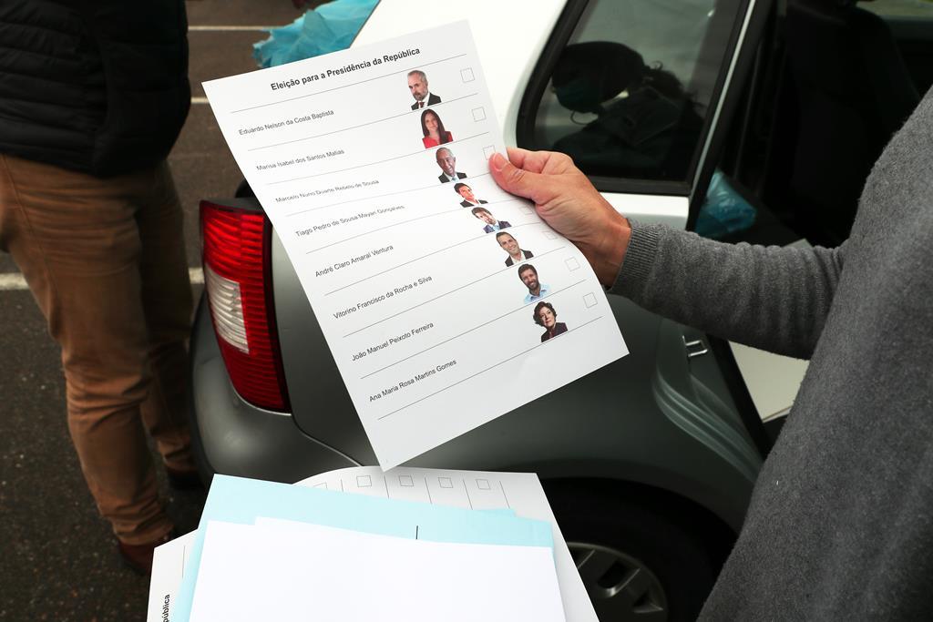 Em 2006, eleições ganhas por Cavaco Silva, a afluência às urnas até às 12h00 foi de 19%. Foto: Nuno Veiga/Lusa