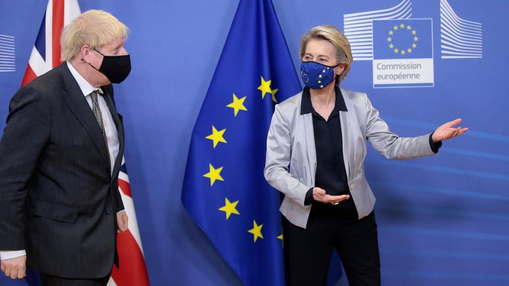 Von der Leyen avisa que os acordos são para se cumprir. Foto: Olivier Hoslet/EPA