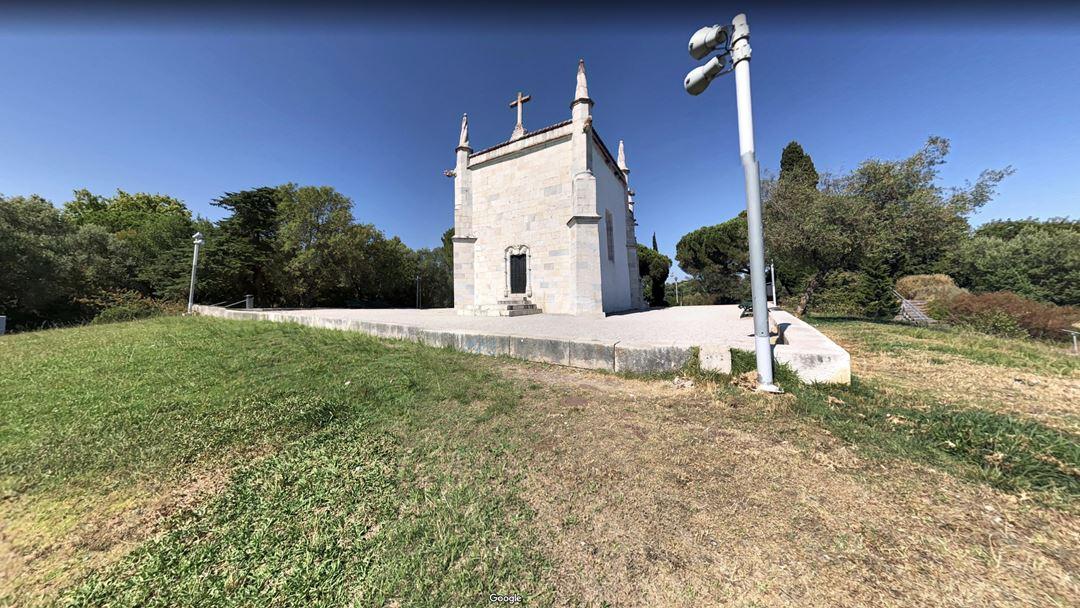 A capela de São Jerónimo, em Belém, está rodeada por um jardim da autoria de Gonçalo Ribeiro Telles. Foto: Google Maps