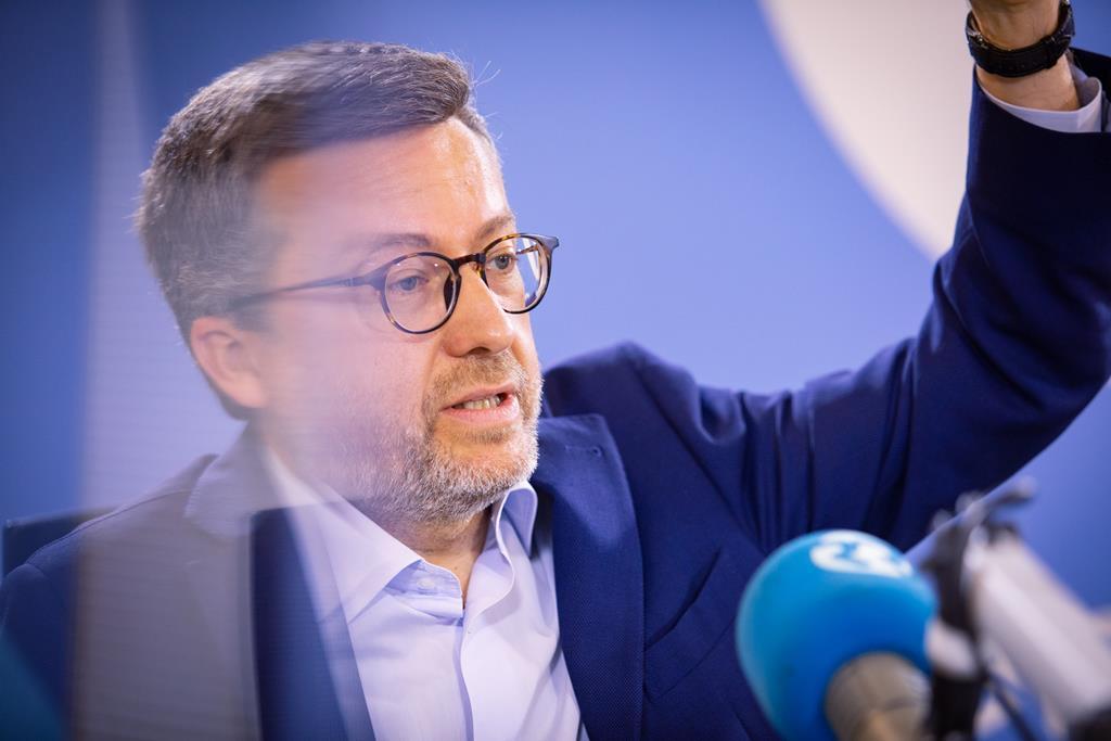"""""""Aprendi nos meus anos na Comissão Europeia que temos de retirar a política das decisões técnicas"""". Foto: Miguel Rato/RR"""