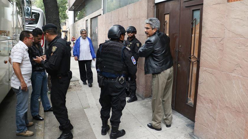 Polícia mexicana no local da explosão. Foto: TelefonRojo.Mx