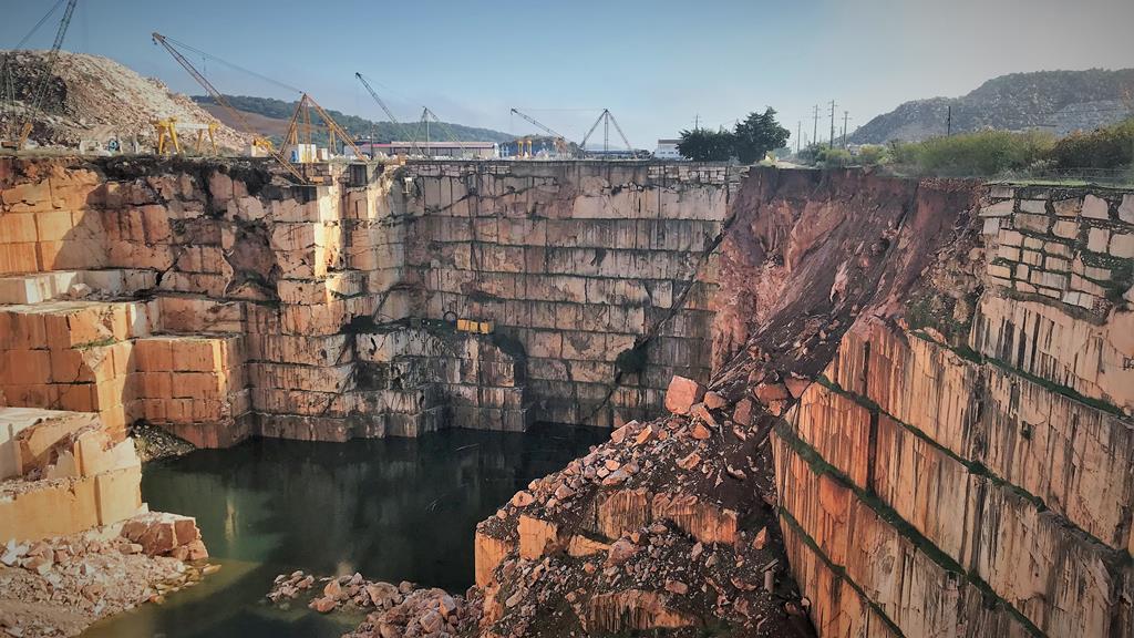 Desabamento de Borba provocou vários mortos e deixou resquícios na paisagem. Foto: Rosário Silva/RR