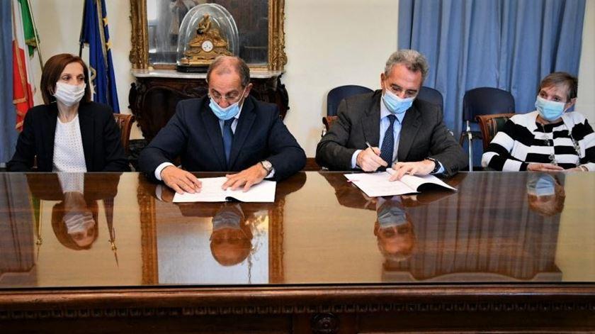 O acordo foi assinado no dia 22 de setembro. Foto: Comunidade de de Sant