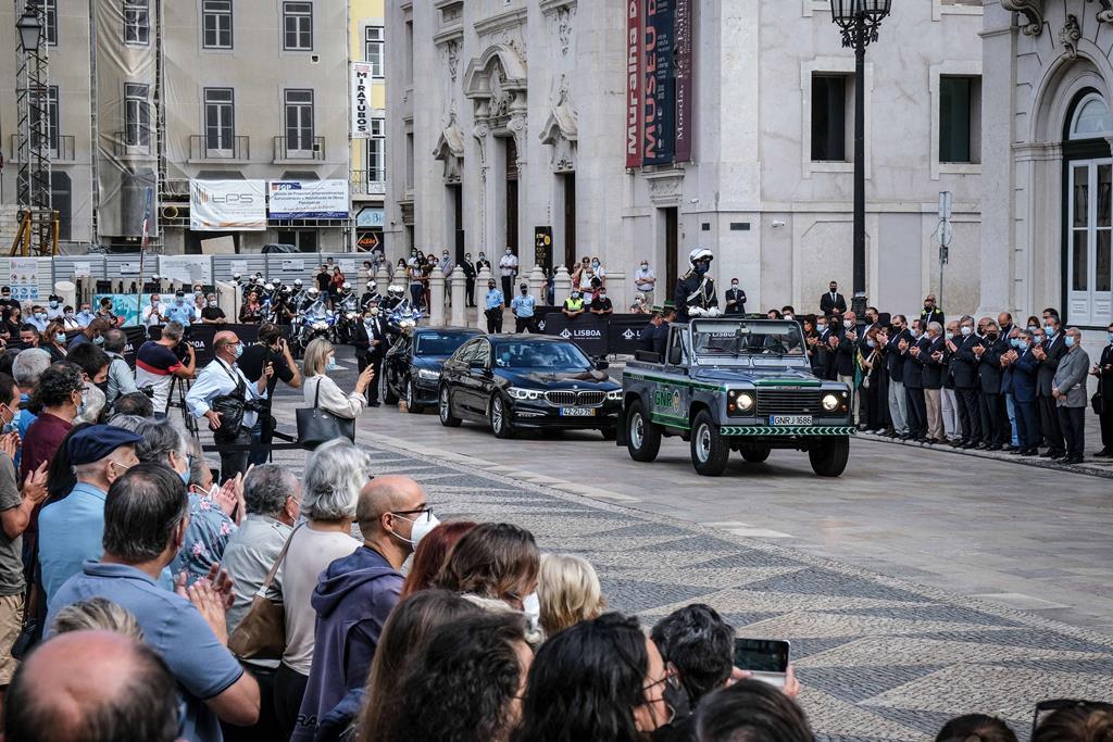 O cortejo fúnebre chegou à Praça do Município de Lisboa às 10h36 de sábado. Foto: Rui Minderico/Lusa