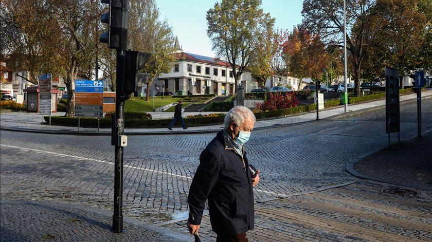 Felgueiras, assim como Lousada e Paços de Ferreira, já estão sujeitos às medidas que serão agora alargadas a 70% da população. Foto: José Coelho/Lusa
