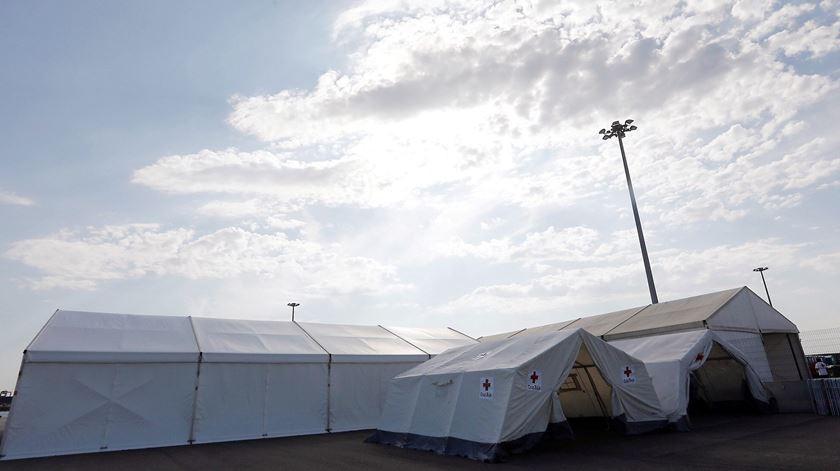 Tenda da Cruz Vermelha onde vão ser recebidos os migrantes. Foto: Gabinete de Comunicação da Generalitat Valenciana