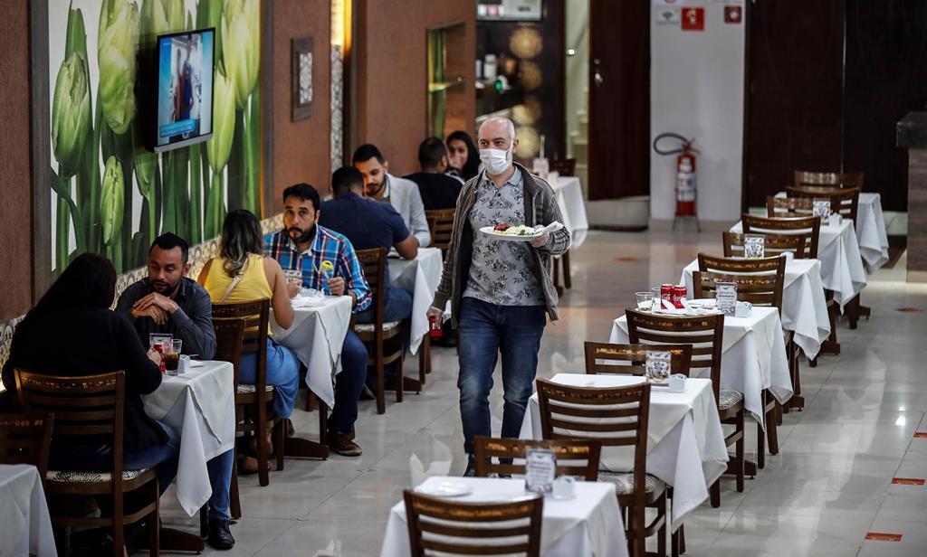 Estado de calamidade pode impor limites a lojas e restaurantes. Foto: Sebastião Moreira/EPA
