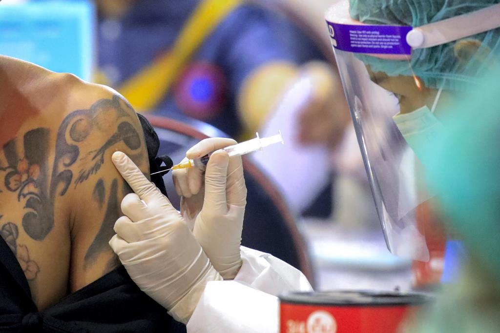 Vacinação chega à faixa dos 20 aos 29 anos em meados de julho. Foto: Diego Azubel/EPA