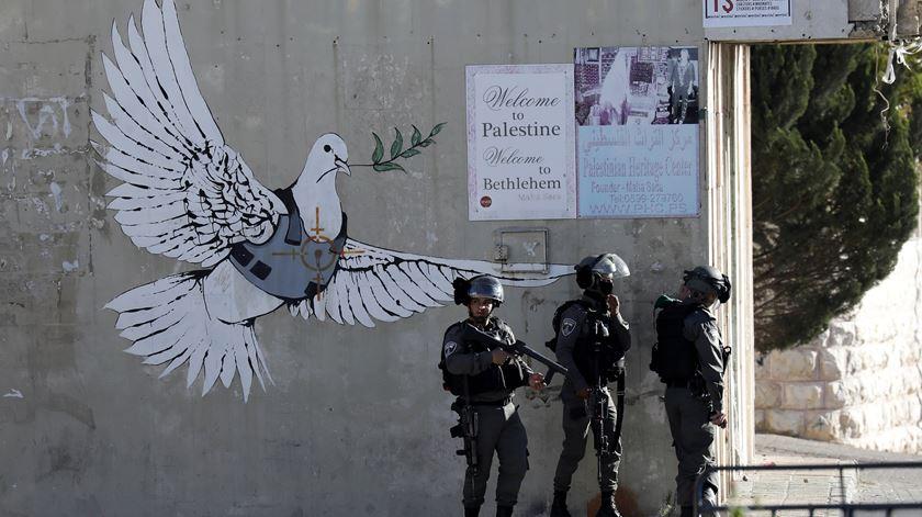 Imagem dos confrontos em Belém, na Cisjordânia. Foto: Abed al Hashlamoun/EPA