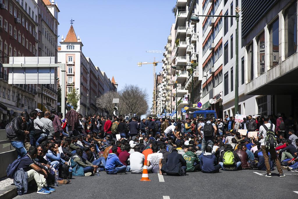 Dezenas de imigrantes em protesto em 2018. Foto: Nuno Fox/Lusa