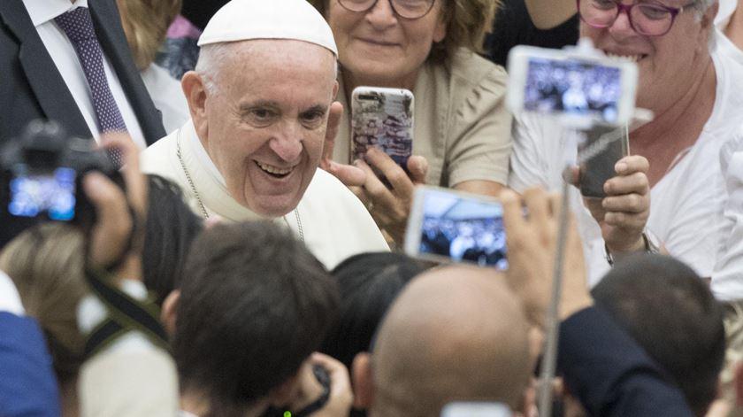 """Sem o primado de Deus, facilmente cai-se na idolatria."" Foto: Maurizio Brambatti/EPA"