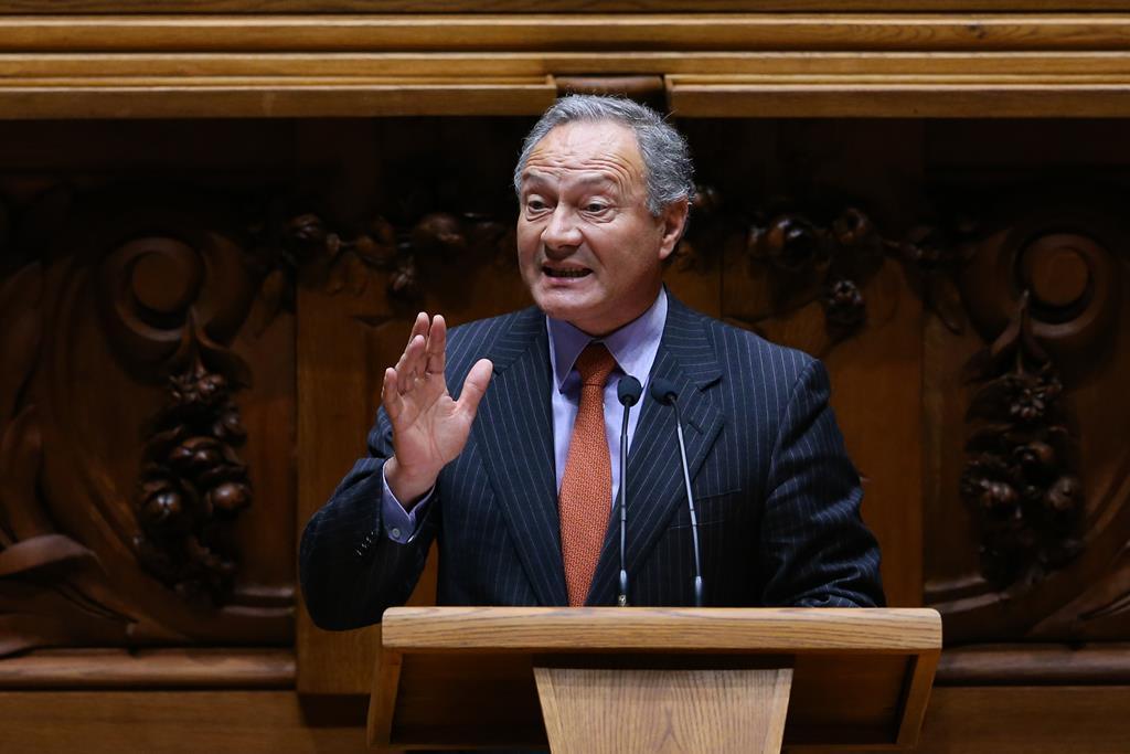 Adão Silva acusa Governo de estar a par do negócio das barragens desde o início. Foto: António Cotrim/Lusa