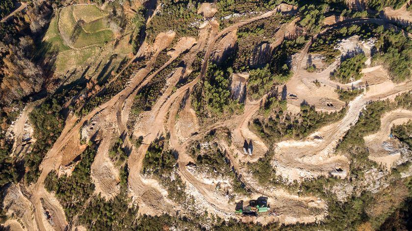 Mina de lítio a céu aberto em Covas do Barroso. Foto: Pedro Sarmento Costa/Lusa