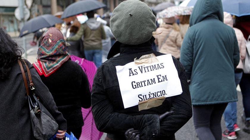 Marcha solidária silenciosa pelas vítimas de violência doméstica. Foto: António Pedro Santos/Lusa
