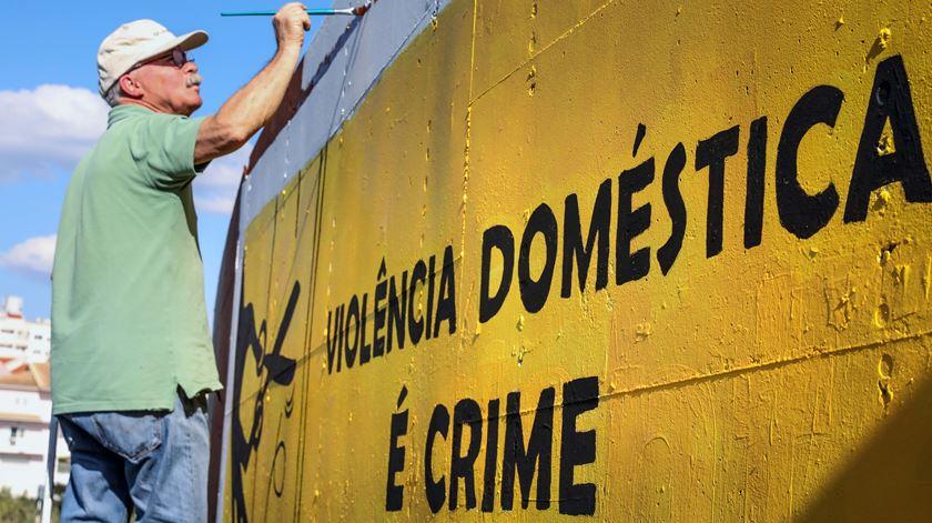 Presidente promulga maior proteção a menores em casos de violência doméstica