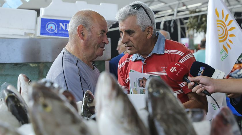 Ação de campanha no Mercado de Alvalade. Foto: Miguel A. Lopes/Lusa