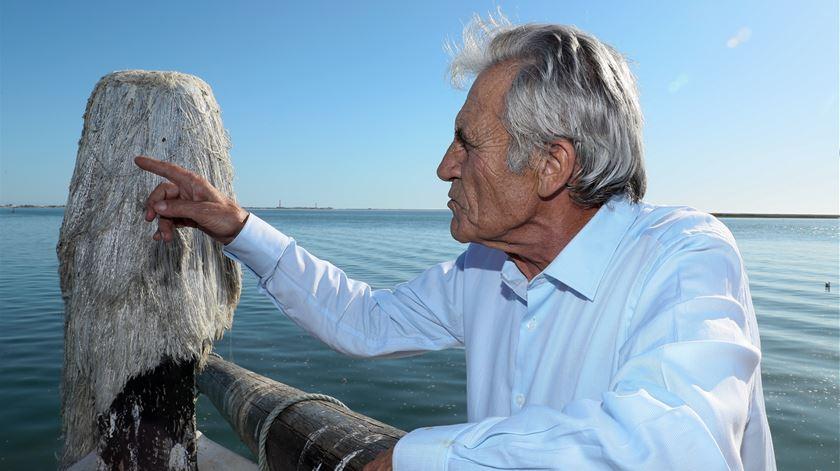 Jerónimo de Sousa em passeio de barco na Ria Formosa. Foto: Luís Forra/Lusa