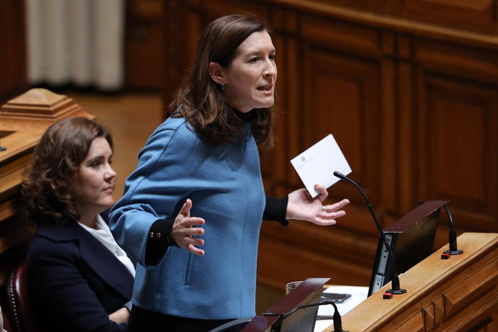 Cecília Meireles não vê razão para votar a favor da proposta do Orçamento do Estado. Foto: Lusa