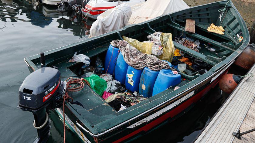 Barco com imigrantes ilegais em Olhão. Foto: Luís Forra/Lusa