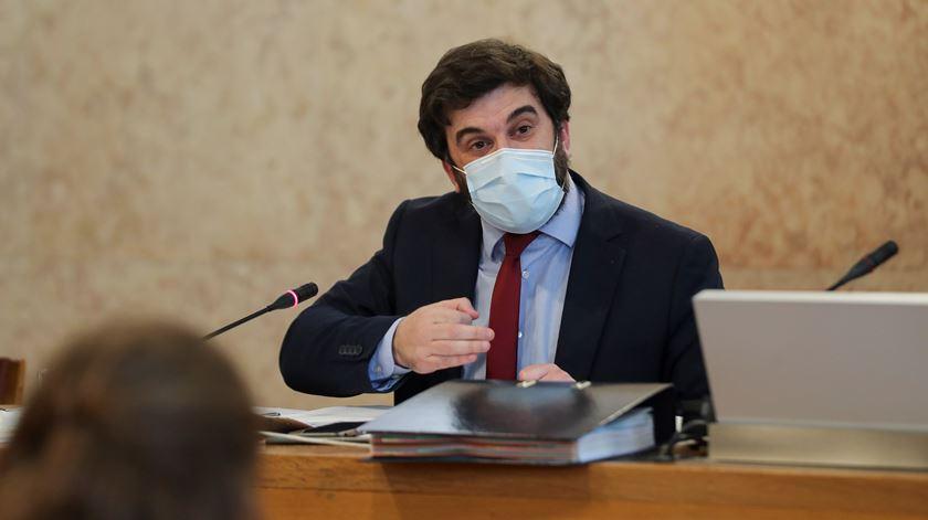 Ministro da Educação, Tiago Brandão Rodrigues, na comissão da AR de Educação, Ciência, Juventude e Desporto. Foto: Miguel A. Lopes/Lusa
