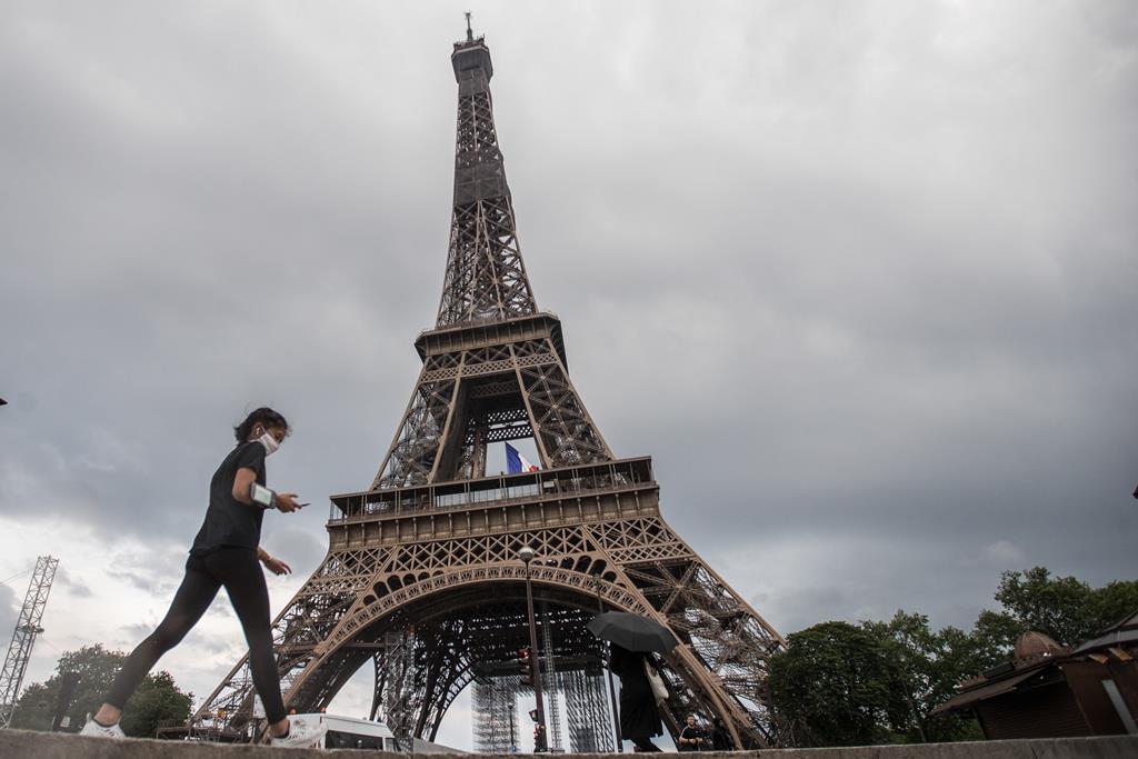 Região de Paris voltou a confinar no mês de março. Foto: Mohammed Badra/ EPA