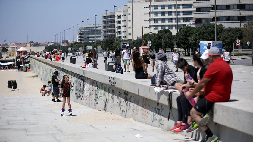 Almofada que garante pensões deve esgotar-se em 2030. O sol e a praia, esses, ninguém os tira. Foto: Manuel Fernando Araújo/Lusa