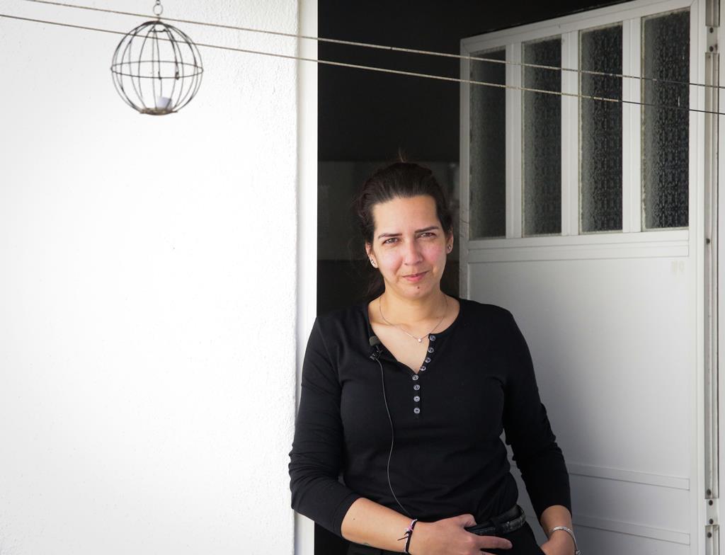 Elisabete vive há 39 anos na freguesia da Ajuda, em Lisboa. Foto: Joana Gonçalves/ RR