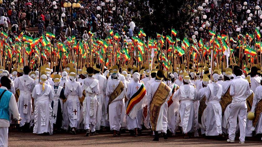 Membros do clero da Igreja Ortodoxa da Etiópia assinalam o ano novo no calendário Etiope. Foto: DR