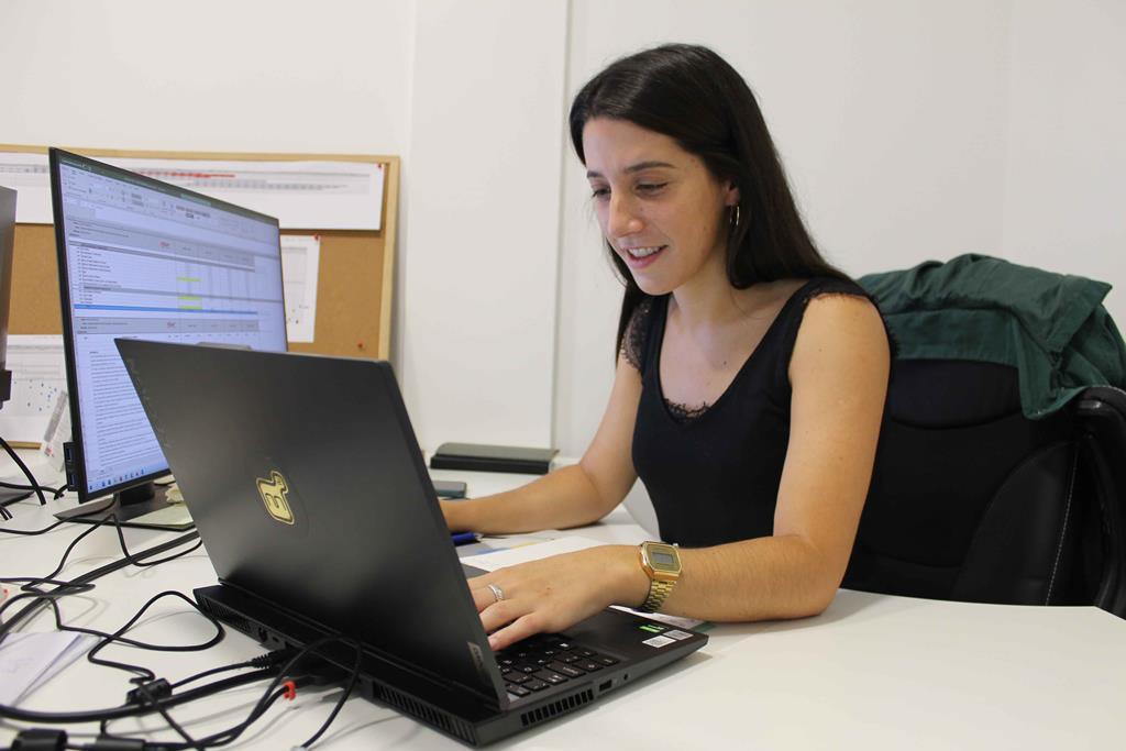 Não trabalhar às sextas à tarde, permite à engenheira civil Daniela Oliveira ir à terra, na Serra da Estrela. Foto: Liliana Carona/RR