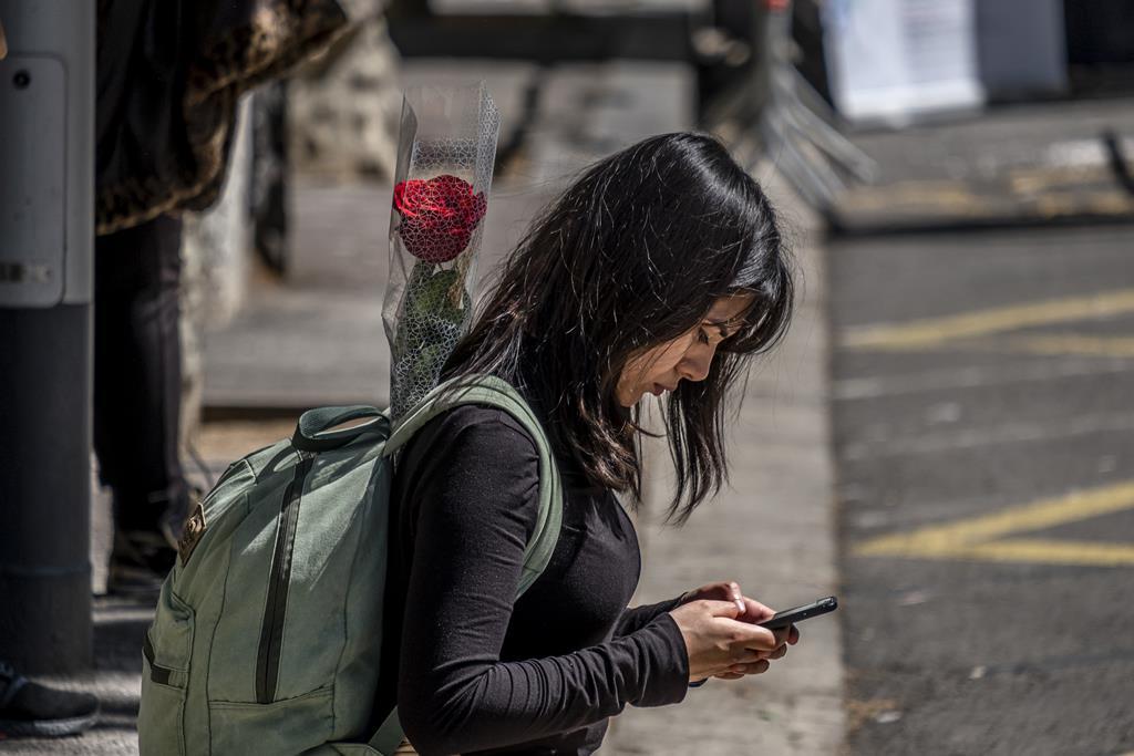 Diferença salarial em quadros superiores pode chegar quase aos 500 euros. Foto: Paco Freire/Reuters