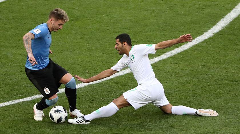 Guillermo Varela foi titular, pelo Uruguai, frente à Arábia Saudita, no Mundial. Foto: Marcos Brindicci/Reuters