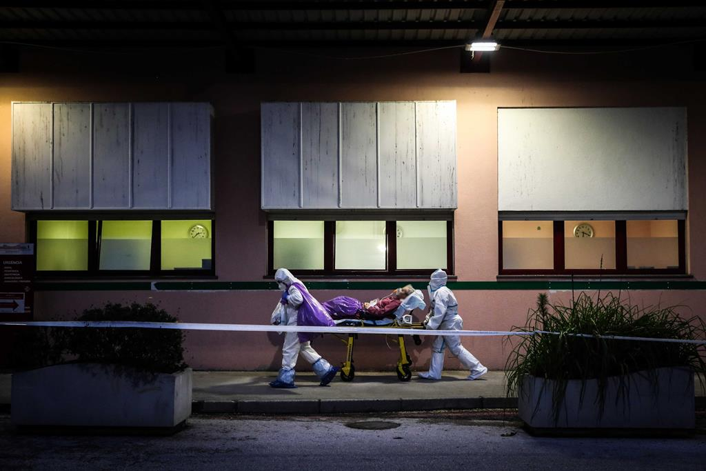 Transferência de doentes do Amadora-Sintra. Foto: Mário Cruz/Lusa