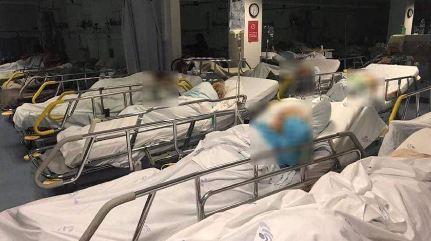 No fim-de-semana, os enfermeiros do hospital do Algarve partilham fotos que mostram as condições em que os utentes são tratados. Foto: DR