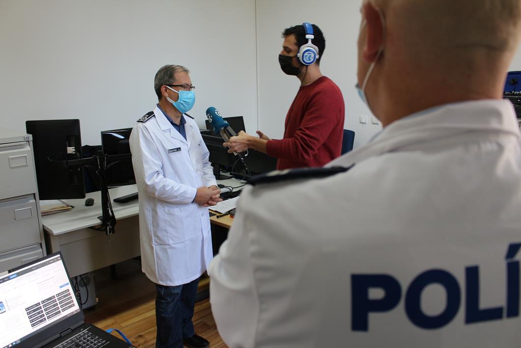 Renato Duarte de visita ao Laboratório de Criminalística e Ciência Forense da PSP. Foto: PSP