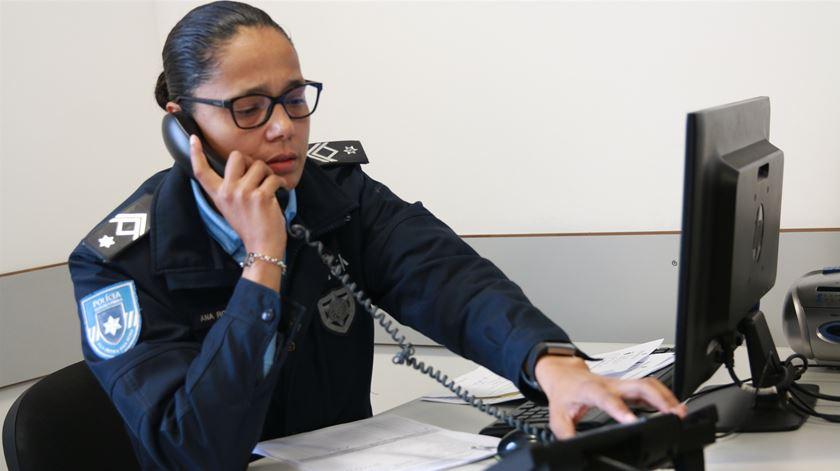 A agente Ana Rosa trabalha no GAIV há cinco anos