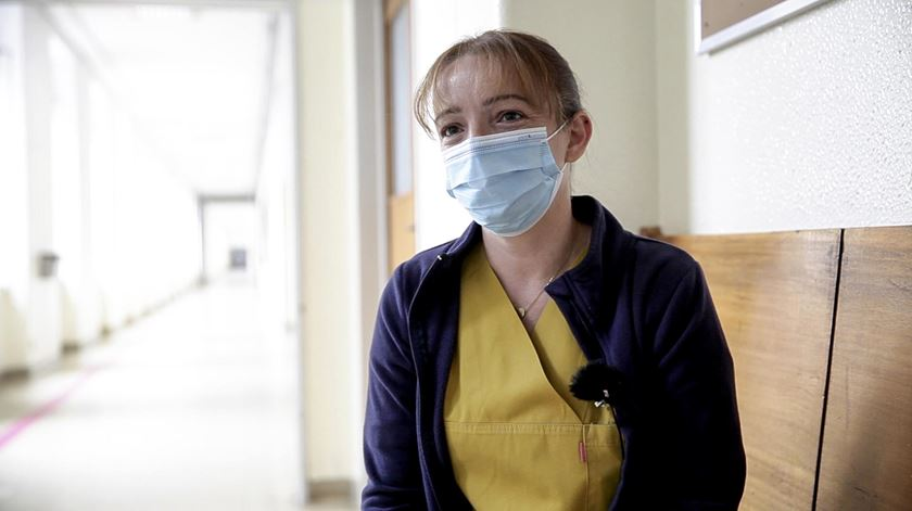 Isabel Macedo, de 39 anos, passou mais de três meses em isolamento no quarto de casa. Foto: Inês Rocha/RR