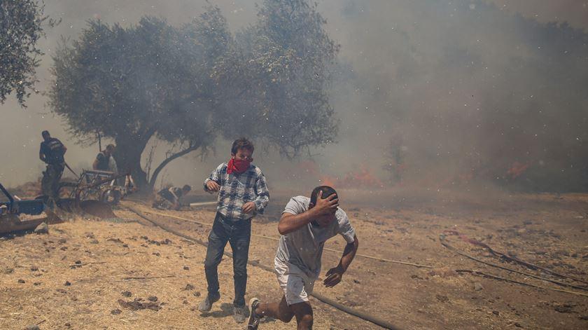 Mais de 850 pessoas receberam assistência médica. Foto: ERDEM SAHIN/ EPA