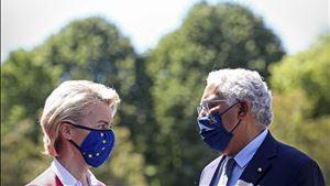 """Vacinação """"no bom caminho"""". Comissão anuncia que UE já recebeu 200 milhões de doses"""