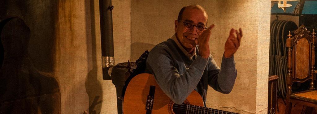 Ivan Vilela mistura timbres de viola caipira e de orquestra Foto: Vozes de Mestres