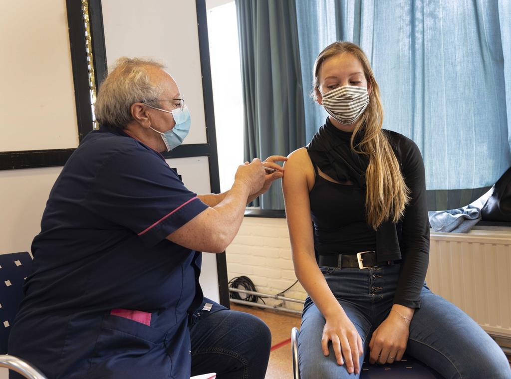 A vacinação universal dos jovens 12-15 anos foi recomendada ontem peLa DGS. Foto: Jaap Schaaf/EPA