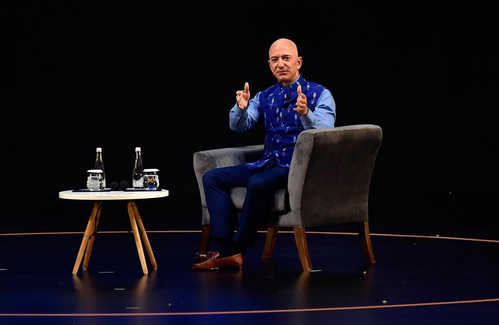 Jeff Bezos vai abandonar a chefia da Amazon em 2021. Foto: EPA/STR
