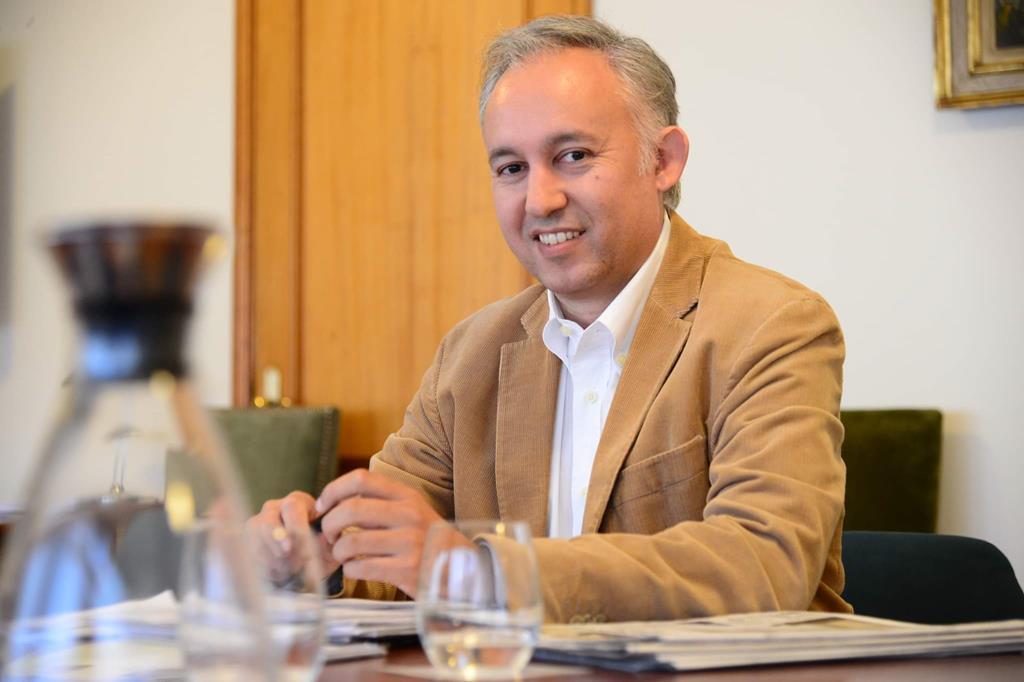 O economista João Pedro Martins, autor do livro suite 605 a maior investigação feita sobre a zona Franca da Madeira. Foto: DR