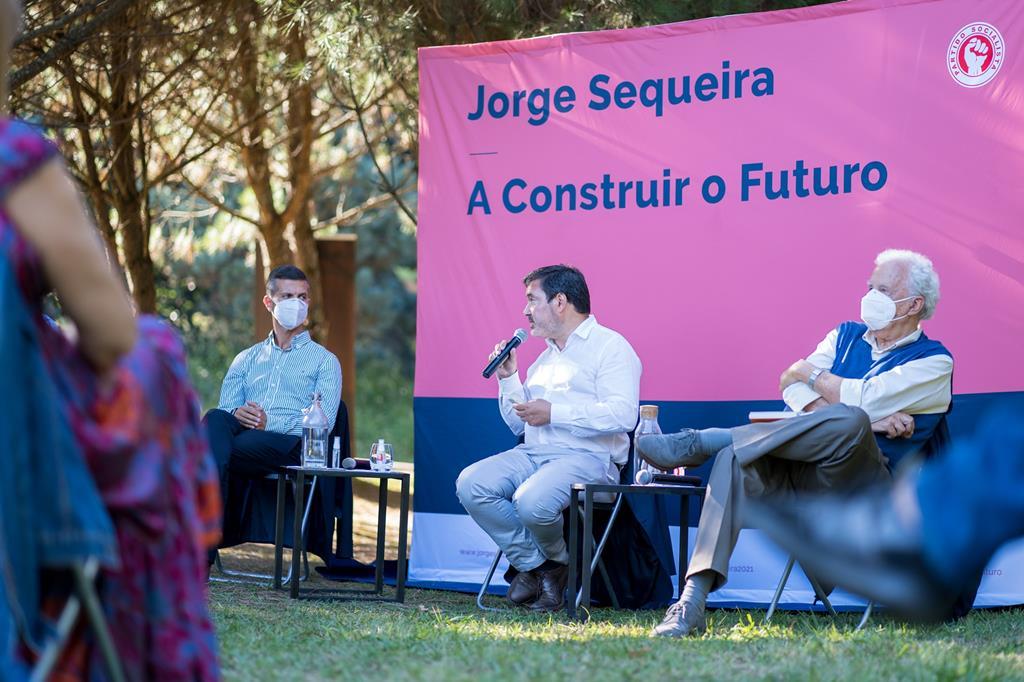 Jorge Sequeira quer cortar para metade as emissões poluentes até 2030