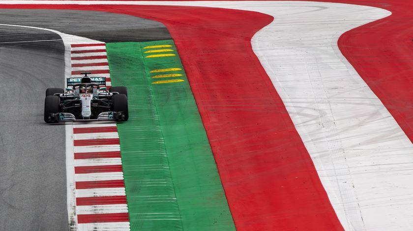 O Red Bull Ring, na Áustria, recebe as duas primeiras corridas do Mundial de Fórmula 1 Foto: EPA