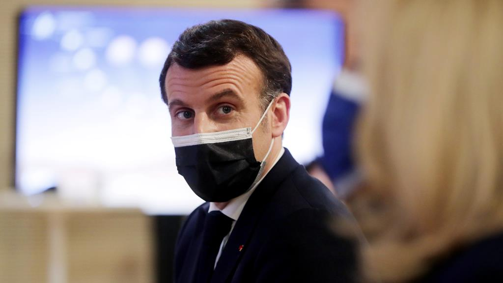 """Emmanuel Macron pede """"mais dinheiro"""" para poder acompanhar mudanças na Europa. Foto: Christophe Petit-Tesson/EPA"""