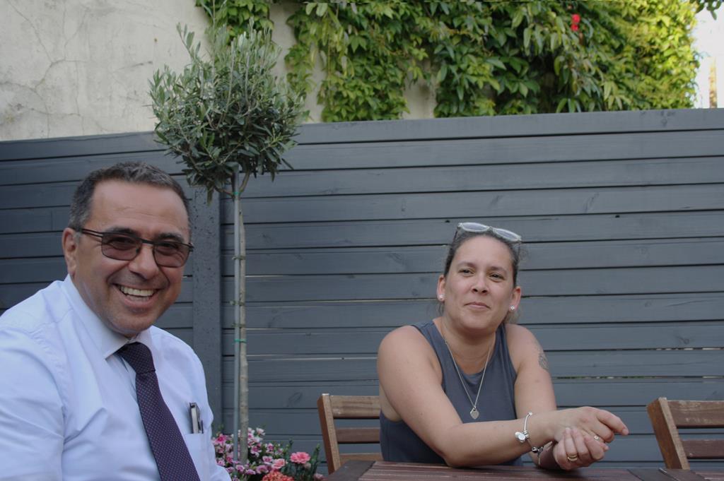 Miguel e Andreia encontraram-se no jardim de casa de Miguel Foto: António Fernandes/RR