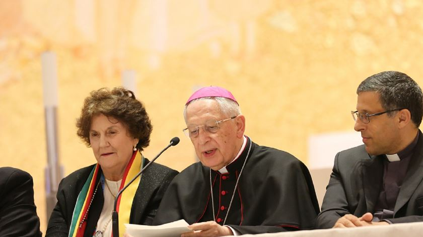 Núncio Rino Passigato lê a mensagem do Papa para o Encontro Internacional das Equipas. Foto: ENS